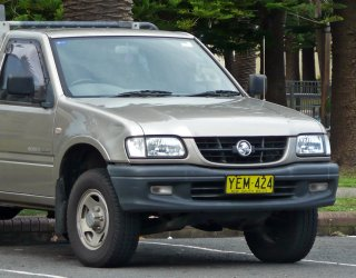 2001-2003_holden_tf_rodeo_lx_2-door_cab_chassis_01