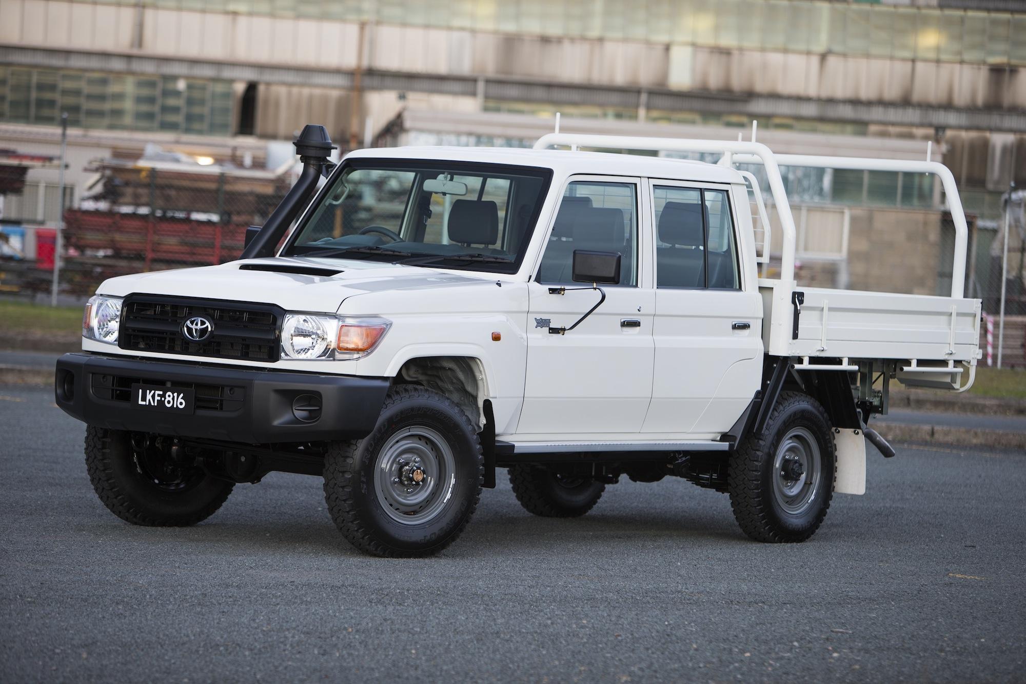 toyota-landcruiser-70-series-dual-cab