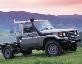 toyota-landcruiser-79-series-cab_chassis