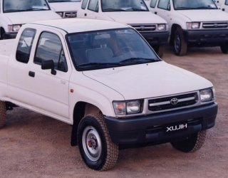 toyota_hilux_6th_gen
